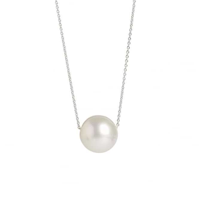 Large South Sea pearl on an 18ct 70cm white gold chain with clasp